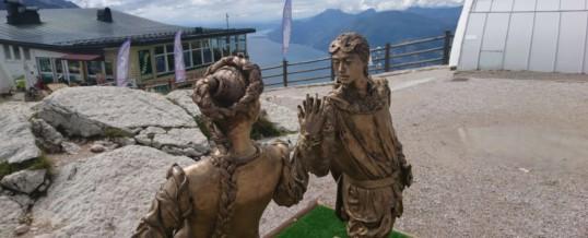 La statua dei Veronesi nel Mondo sulla sommità del Monte Baldo